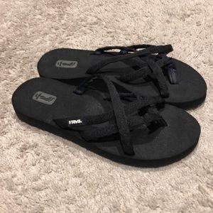Like new Teva mush sandals